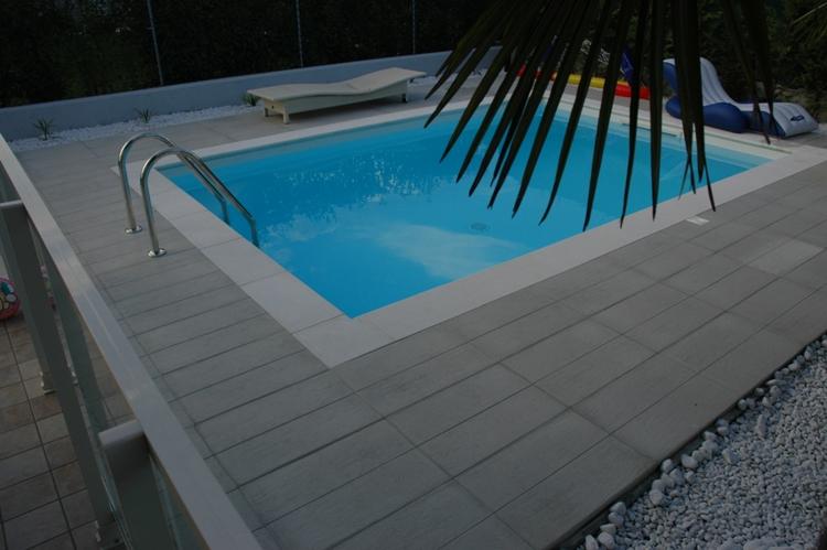pool randsteine flach beckenrandsteine schwallkante sandgestrahlt poolumrandung ebay. Black Bedroom Furniture Sets. Home Design Ideas